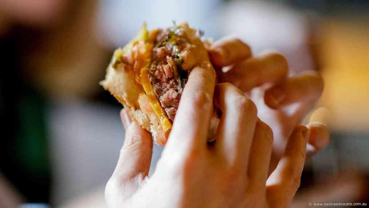 Melbourne man's $1652 burger mistake - Ballina Shire Advocate