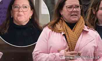 Melissa McCarthy brings a bit of movie magic to Byron Bay, Australia - Daily Mail