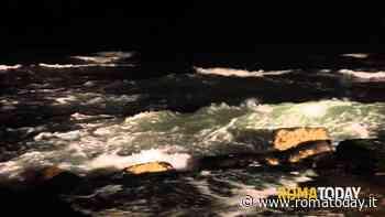 Tragedia a Fiumicino: 43enne muore in mare. Fatale un bagno di mezzanotte