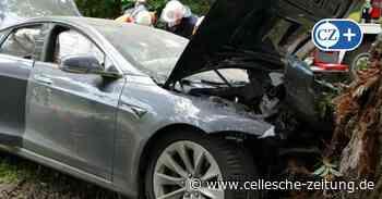 Nach Unfall mit E-Auto: Feuerwehren im Landkreis Celle werden fortgebildet - Cellesche Zeitung
