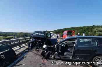 Neckartenzlingen: Schwerer Verkehrsunfall mit Verletzten auf B 312 - esslinger-zeitung.de