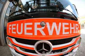 Undefinierbarer Geruch: Feuerwehr räumt Mehrfamilienhaus in Esslingen - Esslingen - esslinger-zeitung.de