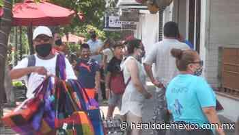 Abren bares en Puerto Vallarta; en aumento el turismo en el puerto - El Heraldo de México