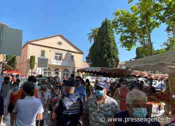 SAINT-TROPEZ : Exposition du Grand Prix Photo sur la place Blanqui - La lettre économique et politique de PACA - Presse Agence