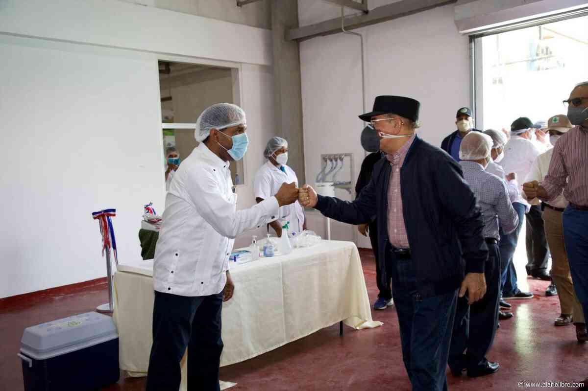 Video | La última visita sorpresa de Danilo Medina fue la 290 en Azua - Diario Libre