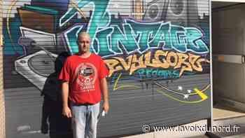 Comines : Le disquaire prié de changer la devanture de son magasin - La Voix du Nord