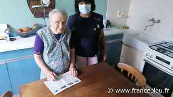A Oloron-Sainte-Marie, pendant la canicule, la factrice rend visite aux personnes âgées - France Bleu
