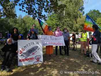 Friedengruppe Daun veranstaltet Mahnwache - Eifel - Zeitung - Eifel Zeitung
