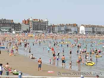 Pictures: Beach busy as thousands head to seaside - Dorset Echo