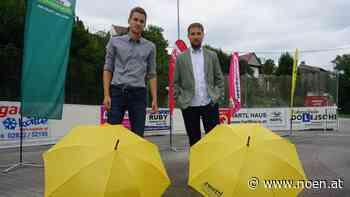 Kabarett in Zwettl - 150 Regenschirme und ein nicht so stummer Vormärz - NÖN.at