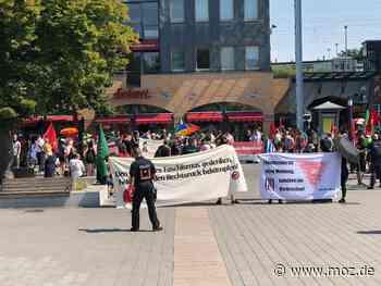 Friedlicher Protest: Mindestens 120 Oberhaveler stellen sich in Hennigsdorf Nazi-Demo entgegen - Märkische Onlinezeitung