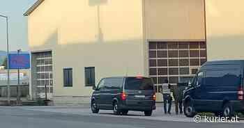 Absinth-Falle: Nach Bordellbesuch kamen Damen zu Lehrer in die Schule - KURIER