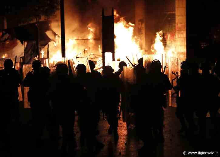 Proteste in Libano, si è dimesso il governo di Hassan Diab