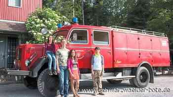 Straubenhardt - Altes Feuerwehrauto wird zu Familien-Camper - Schwarzwälder Bote