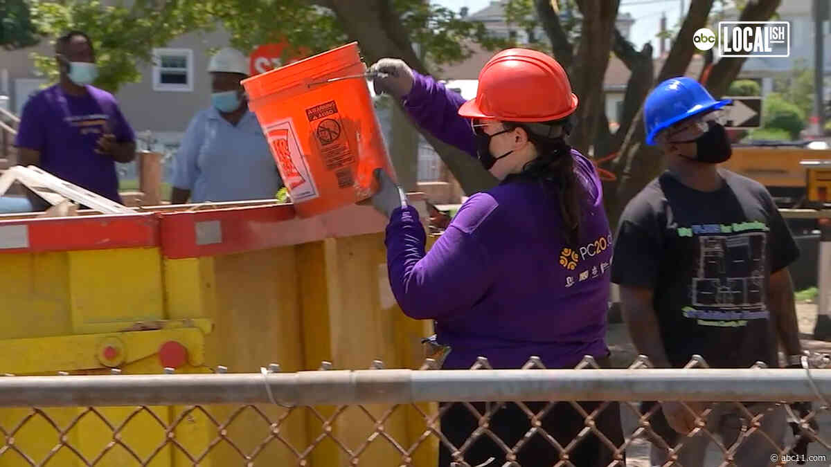 Long Island teens rebuild man's home destroyed by Superstorm Sandy