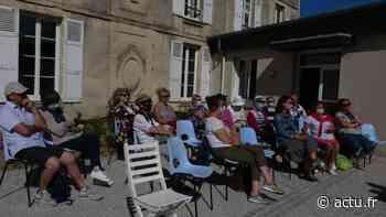 Vie d'autrefois : le mardi à Lion-sur-Mer, Jean-Luc Kourilenko anime les terrasses littéraires - Le Liberté Caen - Bonhomme Libre