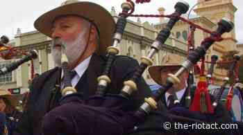Goulburn bagpipes carry over water and time - The RiotACT