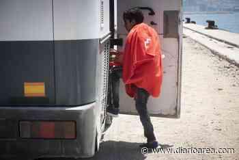 Trasladan a 16 inmigrantes al CATE de San Roque mientras la Policía busca a otros 35 huidos - diarioarea.com