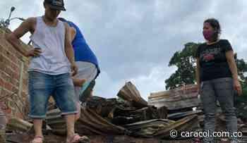 Entregan ayudas a damnificados por incendio en el asentamiento La Cuyanita - Caracol Radio