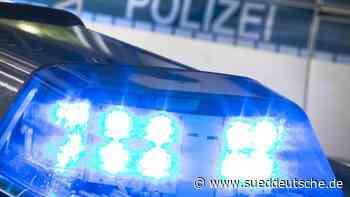 Unbekannter greift Männer in Zug mit Messer an: Verletzte - Süddeutsche Zeitung