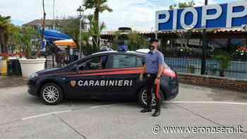 Derubati dei cellulari, giovani turisti rincorrono e fermano due ladri sul Garda - VeronaSera