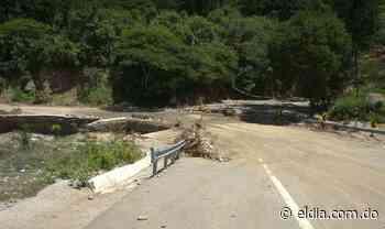 Comunitarios denuncian deterioro tramo carretero Padre Las Casas-Guayabal - El Dia.com.do