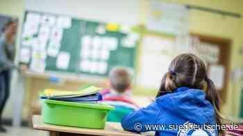 Schulstart mit Hindernissen: Corona-Stichprobe gestartet - Süddeutsche Zeitung