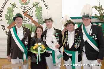 Kutschfahrt des Königspaares durch Isselburg findet statt - auch die Kranzniederlegung am Ehrenmal wird vollzogen: Das Schützenfest in Isselburg ist abgesagt - Isselburg - Lokalkompass.de