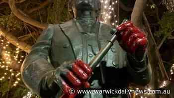 Man arrested for vandalising blackbirder statue - Warwick Daily News