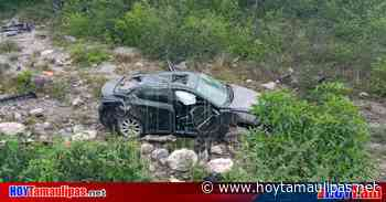 Volcadura deja dos lesionados en la carretera Jaumave-Tula - Hoy Tamaulipas