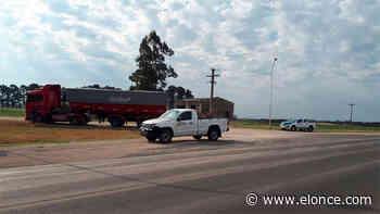 Camión impactó contra una camioneta en zona de El Palenque - Elonce.com