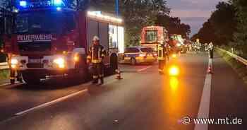 Feuerwehr löscht brennenden Mähdrescher auf der L770 - Mindener Tageblatt