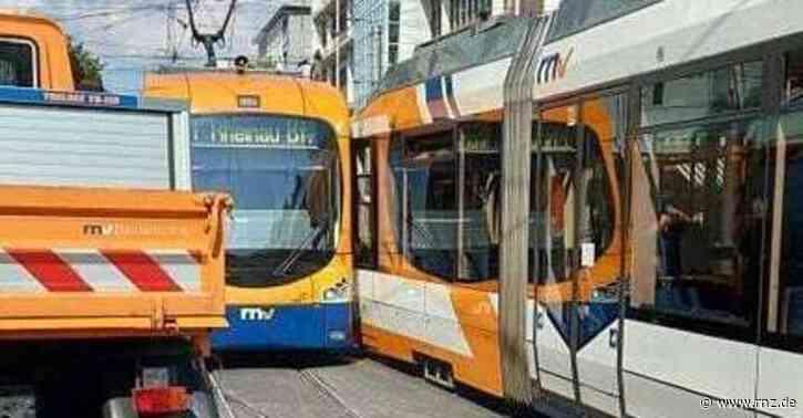 Mannheim:  Straßenbahnverkehr steht nach Kollision zweier Bahnen still