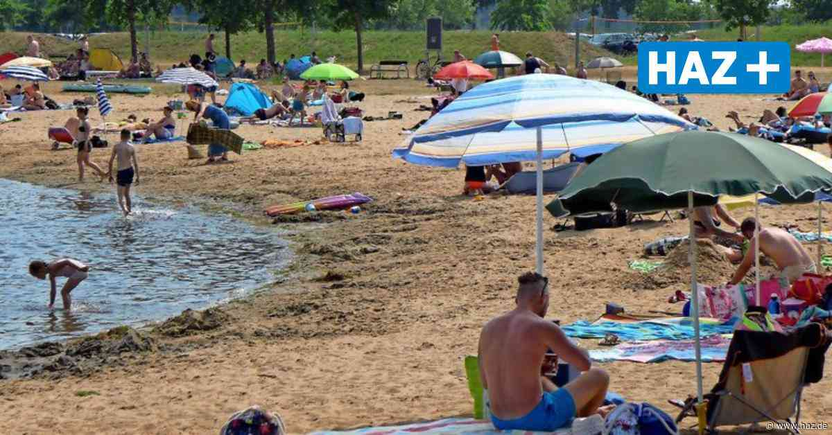 Baden in Isernhagen: Gäste bringen Picknick in Kühltaschen mit zum Hufeisensee - Hannoversche Allgemeine