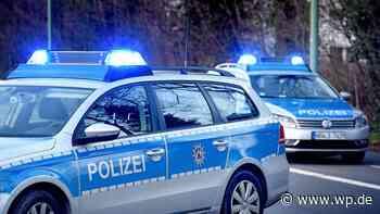 Mann mit Krücken randaliert an Bushaltestelle in Hagen-Haspe - WP News
