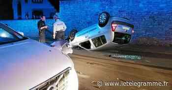 Concarneau : une voiture sur le toit après une sortie de route sur la corniche - Le Télégramme