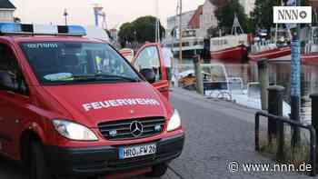 Brennendes Schiff löst Feuerwehreinsatz am Alten Strom aus
