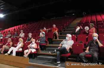 Crosne : pause climatisée sur grand écran pour les seniors - Le Parisien