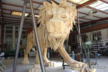 UN LION AUX GENETS ! Saint-Michel-sur-Orge - Unidivers