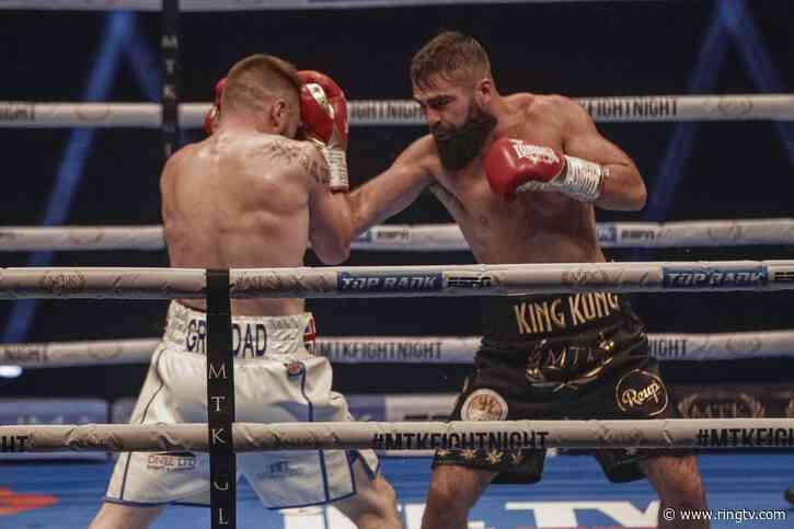 Maxi Hughes outhustles Jono Carroll to win upset decision