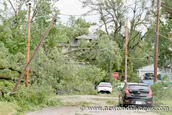 Powerful storm leaves 2 dead, heavy crop damage in Midwest - Newton Daily News
