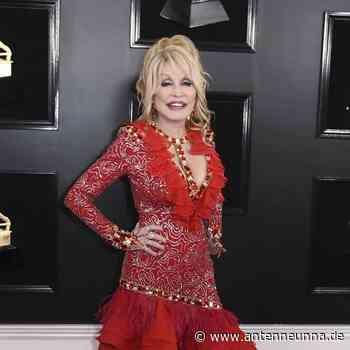Dolly Parton kündigt Weihnachtsalbum an - Antenne Unna