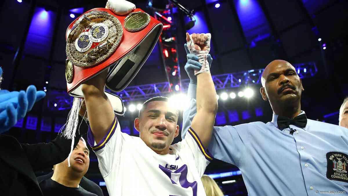 Lopez Jr. on fight against Lomachenko: 'It's always been personal'