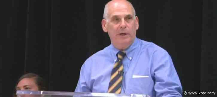 Santa Fe City Union votes 'no confidence' in resolution against Mayor Alan Webber