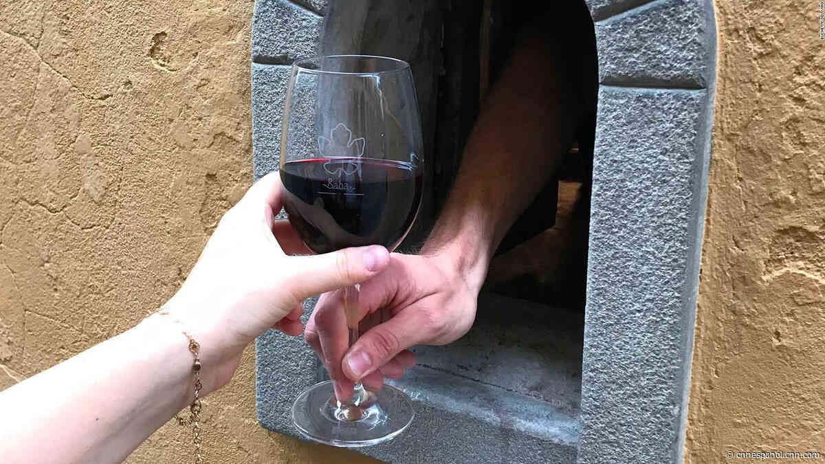 Reviven tradición del Renacimiento en Florencia por covid-19: los pequeños agujeros de vino - CNN