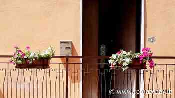 Torpignattara, cittadini regalano fioriere per abbellire gli scorci del quartiere