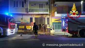Messina, incendio in una ferramenta di Giampilieri: fiamme sulla statale 114 - Gazzetta del Sud - Edizione Messina