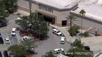 2 Robbery Suspects Shot by Jewelry Store Worker in Pembroke Lakes Mall: Pembroke Pines Police