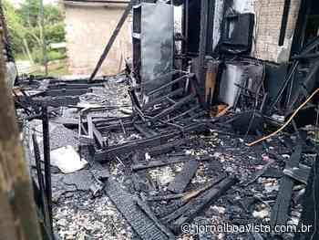 Família pede ajuda após casa pegar fogo em Erechim - Jornal Boa Vista