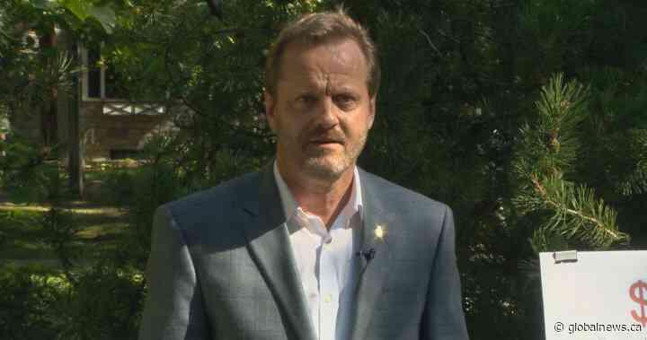 Cary Tarasoff announces mayoral bid, takes aim at Saskatoon's debt - Global News